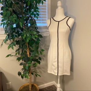 Monteau White Body Con Dress